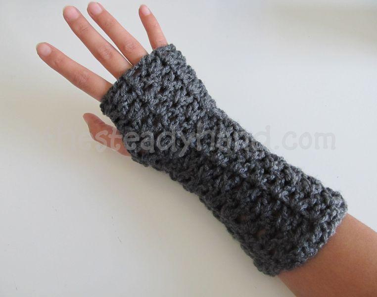 Free Crochet Pattern For Chunky Fingerless Gloves : Classes Yarn Explosion